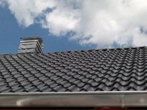 Moderne Bedachung mit glasierten Dachziegel